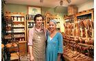 Antonio Consolini und seine Frau in ihrem Laden L'Oliveto in Malcésine