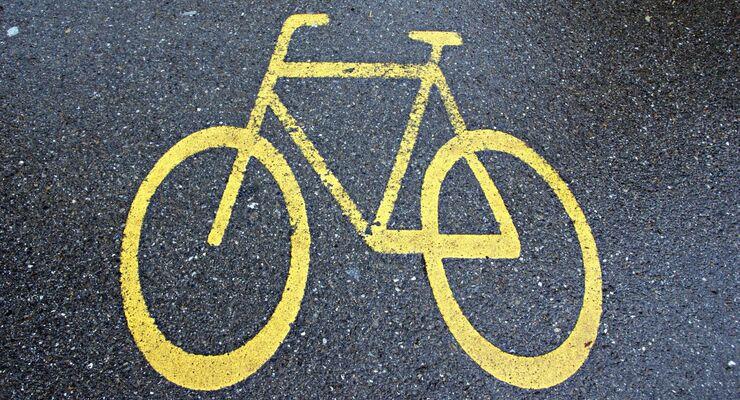 Auch Radfahren unter Alkohol kann den Führerschein kosten. Hier liegt die absolute Fahruntüchtigkeit bei 1,6 Promille.