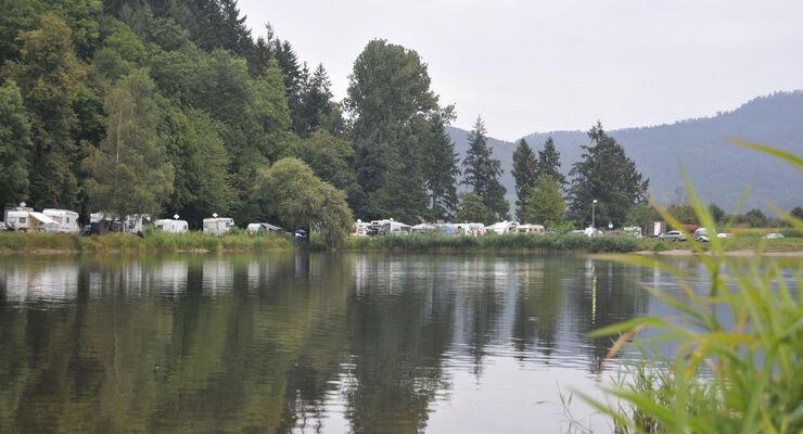 Ein Geheimtipp für Motorsport- und Campingfreunde sind die Kronen-Race-Days 2014 am Wochenende vom 30. und 31. August am Waldsee in Berghaupten bei Offenburg. Es treten mehrere Rennfahrer an.