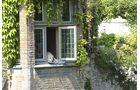 Hund historisches Haus Fenster