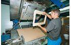 PU-Fensterrahmen werden im Spritzgussverfahren aus den Komponenten Polyol und Isocyanat gefertigt