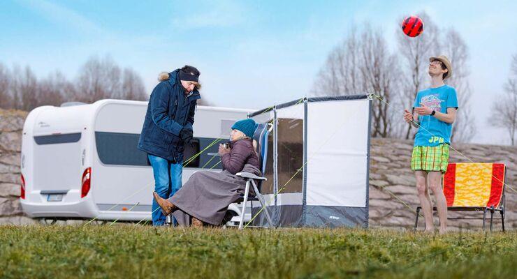 Windschutzwand auf Campingplatz