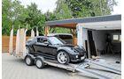 Auf diesem Autotransporter der englischen Marke Brian James basiert der Wagen.