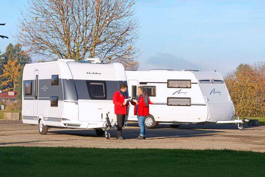 Hobby De Luxe 515 UHK vs. Bürstner Averso Plus 510 TK