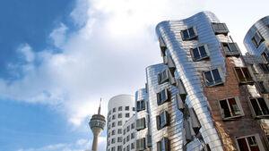 Reise: Düsseldorf - Die längste Theke lebt, CAR 05/2012